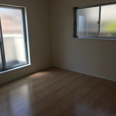 2階洋室8帖(寝室)